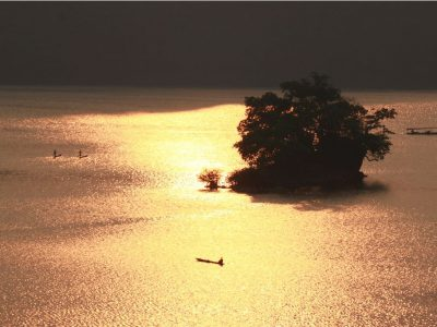 Hồ Ba Bể Viên Ngọc Xanh